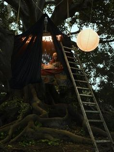 bohemiangardens:  Tree house