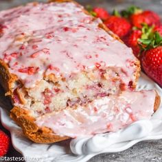 Strawberry Bread Recipe with Fresh Strawberry Glaze {Easy Quick Bread} Strawberry Bread Recipes, Strawberry Glaze, Strawberry Cakes, Cherry Bread, Fruit Bread, Bread Food, Dessert Bread, Quick Bread Recipes, Easy Soup Recipes