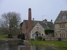Heart of England Way in the Cotswolds: The Mill at Lower Slaughter