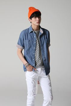 I like simple outfits like this. #Kpop #Fashion #Men