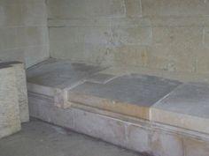Chapelle privée de Notre Dame du chateau de Thouars des la Trémoille- Gabrielle de Bourbon et Louis II de la Trémoille n'eurent qu'un enfant, un fils Charles de la Trémoille (avril 1485- sept 1515) qui épousa le 7 fév 1508 Louise de Coëtivy (fille de Charles de Coëtivy, vicomte de Taillebourg et de Jeanne d'Angoulême). Ils eurent un fils en 1505: François de la Trémoille.
