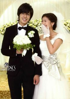 Kim Hyun Joong como Baek Seung Jo y Jung So Min como Oh Ha Ni. Playful Kiss, O Drama, Drama Fever, Korean Soap Opera, Kim Hyung, Two Worlds, Kim Joong Hyun, Baek Seung Jo, Itazura Na Kiss