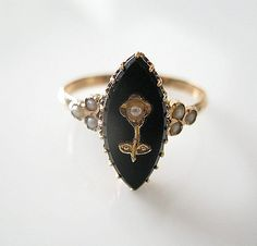1850 Lovely Victorian Antique Ring 18K Gold Seed Pearls Black Onyx - Antique Jewelry 750