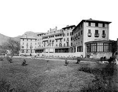 History of the Mount Nelson Hotel Desert Life, Most Beautiful Cities, Cape Town, Rest Of The World, Old Pictures, Best Hotels, Old Houses, Places To See, South Africa