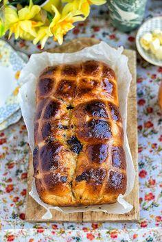 Orange and Chocolate Hot Cross Bun Loaf (Tangzhong method)   supergolden bakes
