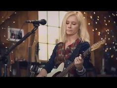▶ Shelby Lynne 'Leavin' Live From Daryl's House - YouTube