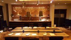 Il ristorante di successo sfrutta le qualità emozionali della luce per differenziarsi. Al ristorante Tre Olivi di Paestum un allestimento e un'illuminazione non convenzionali fanno percepire il luogo come elegante ed esclusivo. http://cannatafactory.com/ristorante-tre-olivi-paestum-sa/
