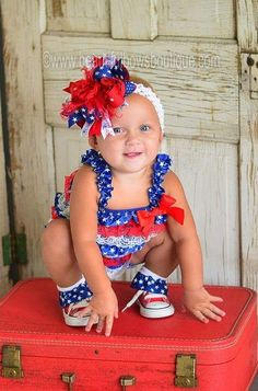 Our of July Baby Girl rompers are so adorable and make the cutest addition to your patriotic celebration. The rompers comes in 4 different sizes as shown. Big Hair Bows, Bow Hair Clips, Toddler Outfits, Kids Outfits, White Lace Fabric, Blue Lace, Blue Fabric, Girls Rompers, Baby Rompers