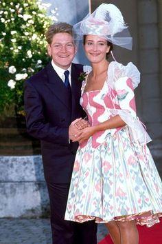 Kenneth Branagh & Emma Thompson on their wedding day, 1989 I love Emma, but this dress is awful.