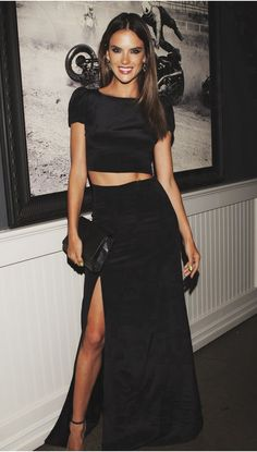I LOVE THIS  Alessandra #Ambrosio in #black ensemble …