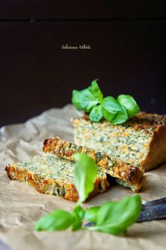 Delicious Titbits: Pasztet z cukinii New Recipes, Vegan Recipes, Dinner Recipes, Cooking Recipes, Meat Diet, Health Dinner, Salmon Burgers, Food And Drink, Appetizers