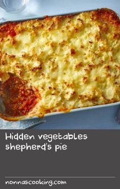 Hidden vegetables shepherd's pie Hidden Vegetables, Kinds Of Pie, Fussy Eaters, Vegetable Puree, Protein Foods, Pie Recipes, Tray Bakes, Freezer, Salt