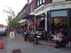 A10 Hyde Park restaurant patio on 53rd St.