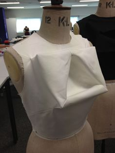 3D Pattern Making - bodice structure with integrated three-dimensional shapes - fabric manipulation; moulage; Shingo Sato; fashion design couture techniques