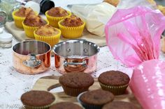 Cupcakes waiting to be iced. Icing, Muffin, Cupcakes, Breakfast, Fun, Morning Coffee, Cupcake Cakes, Muffins, Cup Cakes