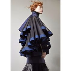 Today's inspiration: Garments from the AW 15/16 collection by British designer Robert Wun. Wun experiments with tailoring and shapes and has an innovativ approach to styling. #pejtrend #pejgruppen #daily #inspiration #RobertWun #fashion #style #womenswear #AW1516