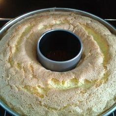 Limoncello-Gugelhupf Rezept K cheng tter Food Cakes, Baking Recipes, Dessert Recipes, Desserts, Dessert Oreo, Ring Cake, Gateaux Cake, Pound Cake Recipes, Chocolate Recipes