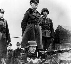 """Rommel inspeccionando posiciones de defensa costera en Francia, """"Festung Europa"""", comienzos de 1944"""