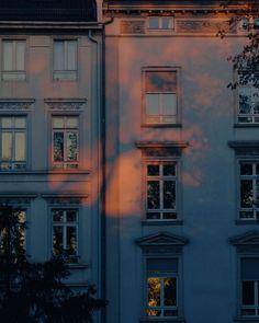 New exterior lighting architecture beautiful Ideas Aesthetic Photo, Aesthetic Pictures, Aesthetic Outfit, Aesthetic Dark, Aesthetic Clothes, Aesthetic Rooms, Photography Aesthetic, Building Aesthetic, Travel Aesthetic