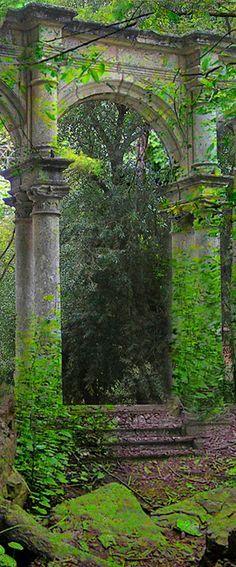 looks like the ruins of car paravele