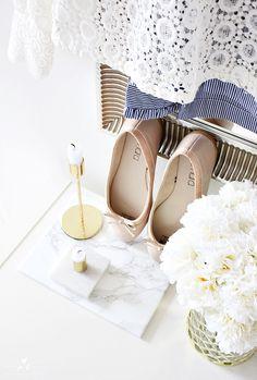 laceshirt pitsipusero lace navystripes classy style fashion muoti klassinen tyyli golden whiteflowers ballerinas ballerina