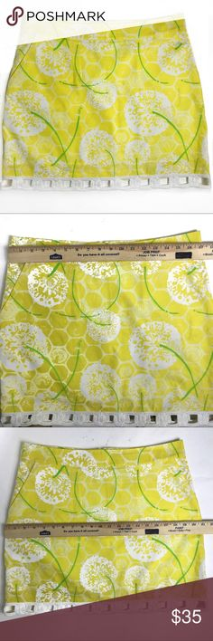 Lilly Pulitzer Yellow Dandelion Print Cotton Skirt Excellent condition and adorable Lilly Pulitzer cotton mini skirt in dandelion print. Perfect for your winter vacation to a warmer climate! Pretty embroidered white eyelet trim on hem. Side pockets. Fully lined. 100% cotton. Machine washable. Lilly Pulitzer Skirts Mini