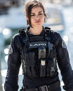 Serie Policiere Americaine Femme Flic : serie, policiere, americaine, femme, Idées, SWAT(police), Regarder, Serie, Streaming,, Police, Gign,, D'écran, Militaire