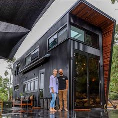 An Incredibly Sleek, Ultra Modern Tiny Home Bryce Langston of the wonderful series Living Big in a Tiny House visited with Lisa and Matt Hobbs, an industrious couple who met online, fell in love and Tyni House, Tiny House Cabin, Tiny House Living, Tiny House Plans, Tiny House On Wheels, House Floor, Tiny House Trailer, House Stairs, Living Room
