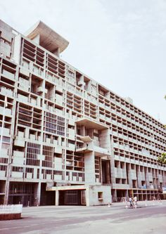 le corbusier s high court building in the capitol complex
