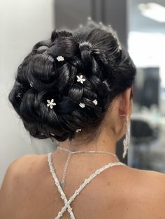 Earrings, Hairstyle, Ear Rings, Stud Earrings, Ear Piercings, Ear Jewelry, Beaded Earrings Native, Pierced Earrings