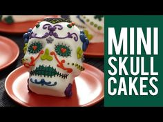 How to Make Day of the Dead Mini Skull Cakes - YouTube