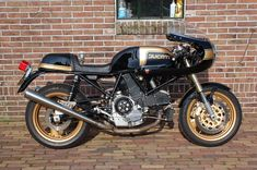 This build comes fromJohn Baines, of Baines Racing the Silverstone-based Ducati racer and tuner. Project Imola offers an ingenious fusion of old and new. In their time, the 1970's machines wereunrivaledas sports bikes, however their reliability and servicing costs could be crippling today. Project Imola was born asthe perfect answer to that problem, by emulating …