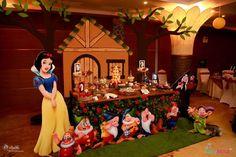 Partylicious Srilanka's Birthday / Snow White - Photo Gallery at Catch My Party Disney Princess Party, Baby Shower Princess, Princess Birthday, 1st Birthday Party For Girls, Disney Birthday, Birthday Parties, Snow White Photos, Snow White Wedding, Quince Themes