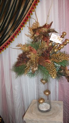 BROWN AND GOLD  CHRISTMAS ARRANGEMENT