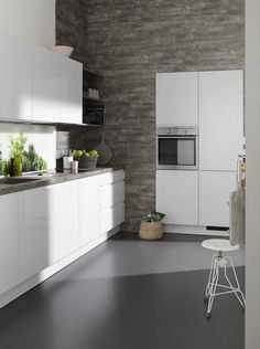 Nolte Kitchens Artic White is the brightest white we've seen is soft lacquered finish. Mini Kitchen, Open Plan Kitchen, Country Kitchen, Timeless Kitchen, Compact Kitchen, Cabinet Lighting, Cuisines Design, Kitchen Remodel, Modern Design