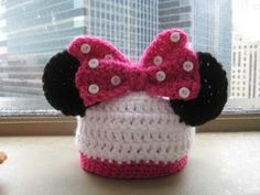 Free PDF Pattern Download for Baby-sized, crocheted Mouse Hat.  This is soooooo cute.  Our famiy had just recently been blessed with a set of twins (a niece and a nephew).  A pair of these hats made for Micky and Minnie would be adorable!!!