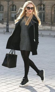 4 Must Have Essential Outfit for Fall Fall is coming and as a woman must ready for the essential outfits for fall. Sweater, cardigan, legging and leather jacket are must have outfit for fall. Street Style Outfits, Look Street Style, Casual Outfits, Fashion Outfits, Fashion Ideas, Fashion Fashion, Luxury Fashion, Outfits Otoño, Moda Fashion
