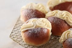 best=Japanese Milk Bread Rolls Dutch Style Vanilla Buns Passion 4 baking GET INSPIRED , from the ever-popular high-low prom dresses, to fun and flirty short prom dresses and elegant long prom gowns. Japanese Milk Bread, Japanese Sweets, Cream Bun, Milk Bun, Dough Ingredients, Homemade Donuts, Bread Rolls, Dessert Recipes, Desserts