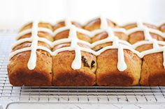 Hot Cross Buns - soft, fluff and pillowy hot cross buns spiced with cinnamon, cloves and loaded with dried fruits. So good you can't stop eating!! | rasamalaysia.com