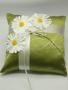 Подушечка для колец Gilliann Camomile PIL181, http://www.wedstyle.su/katalog/pillow/podushechka-dlja-kolec-gilliann-kerry, http://www.wedstyle.su/katalog/pillow, ring pillow, wedding pillow