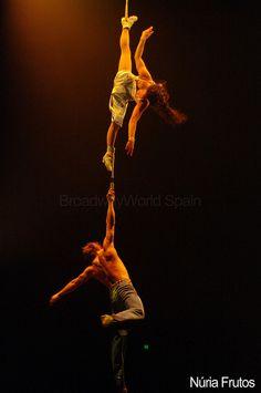 Strap Duo: this is just plain crazy! Aerial Acrobatics, Aerial Dance, Aerial Silks, Nocturne, Wild Is The Wind, Circus Costume, Circus Art, Aerial Arts, Big Top