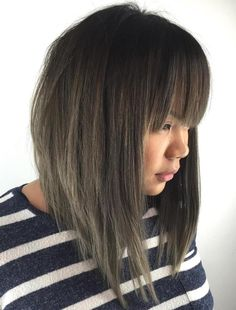 20 Modern Ways to Style a Long Bob with Bangs in 2019 hair long bob hairstyles with bangs - Bob Hairstyles Bob Haircut For Round Face, Bob Hairstyles For Round Face, Bob Haircut With Bangs, Lob Haircut, Hair Bangs, Long Choppy Bobs, Long Bob With Bangs, Straight Bangs, Long Bob With Fringe