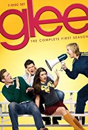 Jane Lynch, Lea Michele, Matthew Morrison, and Cory Monteith in Glee Kevin Mchale, Chris Colfer, Peaky Blinders Saison, Glee Season 1, 2000s Tv Shows, Trending Tv Shows, Most Popular Series, Matthew Morrison, Ryan Murphy