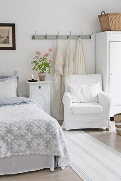 VIBEKE DESIGN: Gorgeous white on white farmhouse bedroom.
