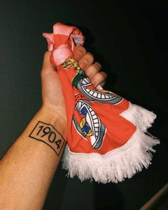 Benfica Wallpaper, Football, Wallpapers, Tattoos, Stadium Of Light, Football Squads, Celebs, Soccer, Futbol