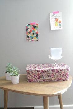 Photo by Emmanuelle Ka Rose Moustache, Photo Editor, Ottoman, Chair, Furniture, Design, Home Decor, Decoration Home, Room Decor