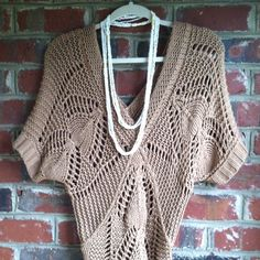 Sweater Soft looser weave sweater. Perfect for this time of year. A few minor picks. Sweaters