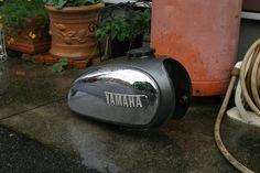 ヤマハYB125 70年代(多分) 2スト 不動車 タンクを洗浄してみる ベーシスト 西本圭介 オフィシャルブログ... Kettle, Yamaha, Ideas, Teapot, Boiler, Thoughts
