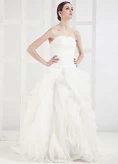This dress is so beautiful!