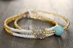 Amazonite & Labradorite bracelet  Authentic par GenerosityDesigns Yoga Bracelet, Chakra Bracelet, Valentines Gifts For Her, Valentines Jewelry, Gemstone Bracelets, Gemstone Jewelry, Labradorite Healing Properties, Bracelet Designs, Boho Jewelry